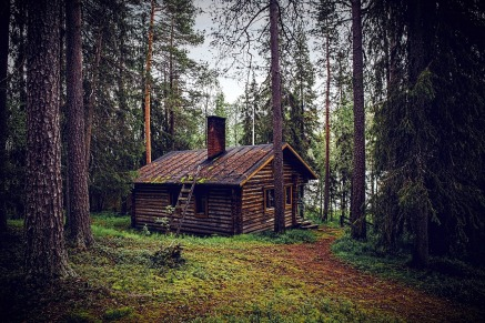 hut-1267670_1920